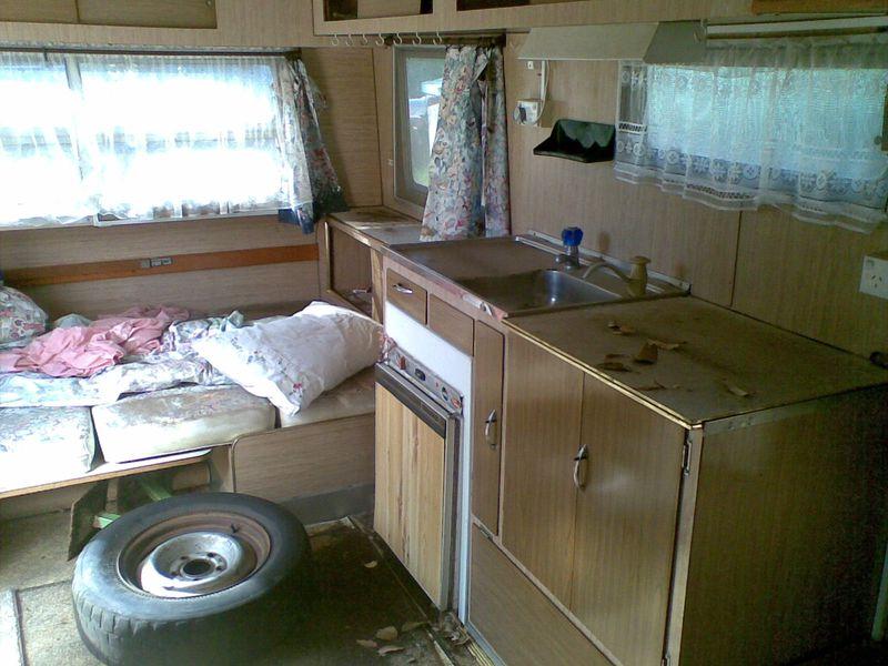 Gypsy queen caravan caravanity happy campers lifestyle for Small caravan interior designs